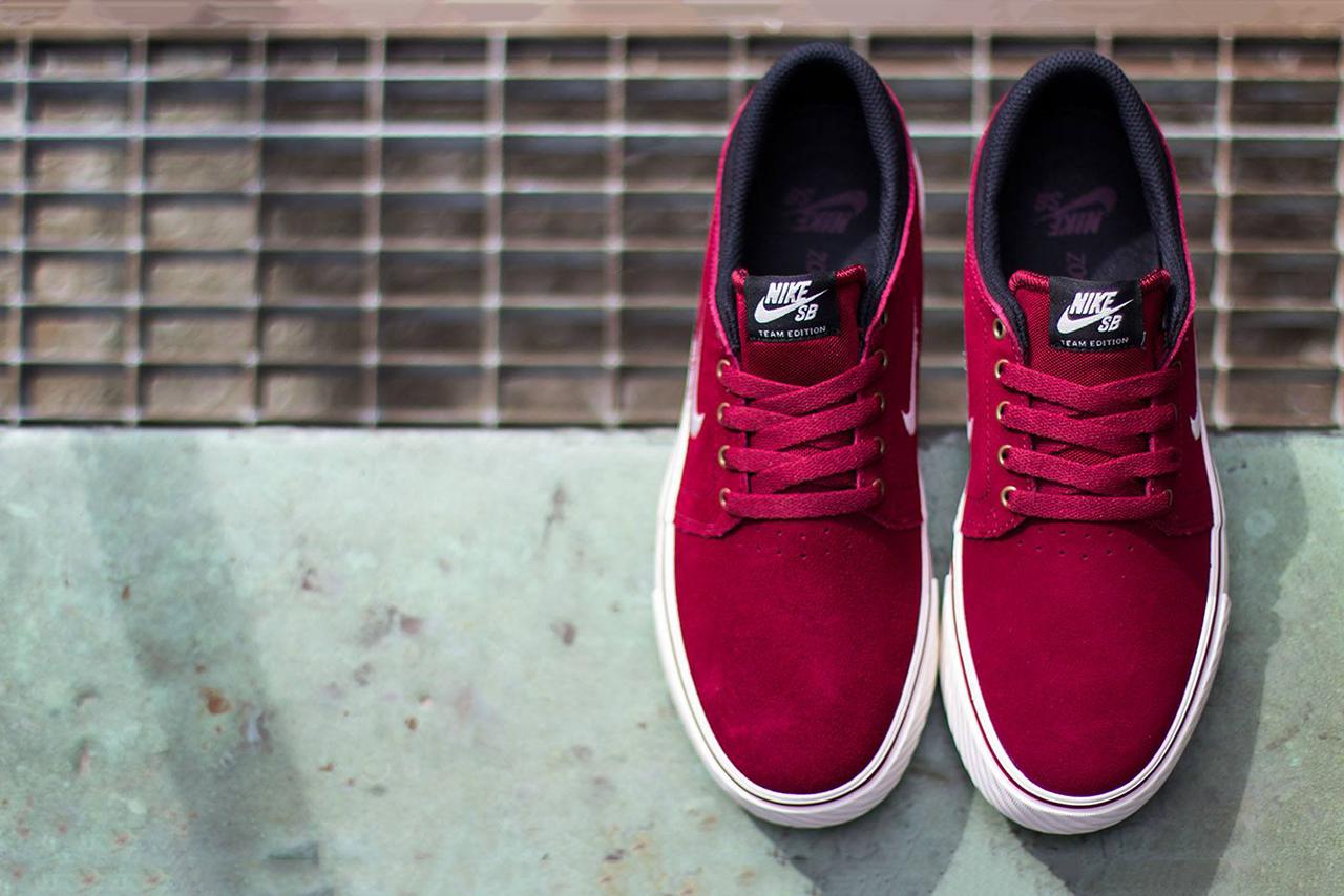 Image of Nike SB Zoom Team Edition Team Red/Sail-Black