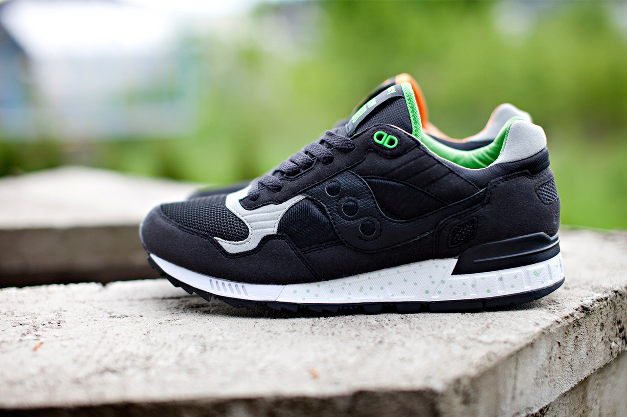"Image of Solebox x Saucony Shadow 5000 ""Green Lucanid"""