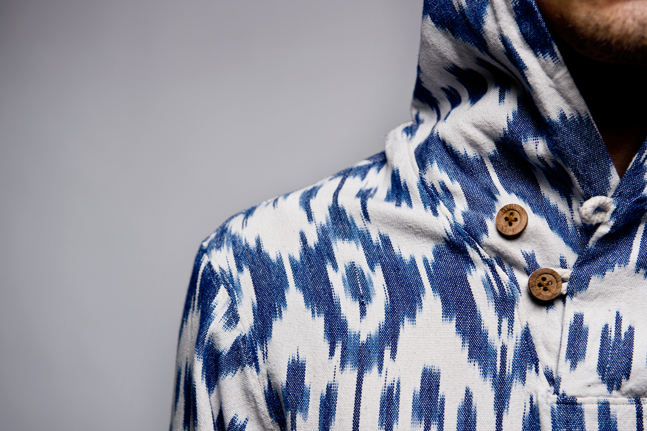 "Image of 10.Deep 2014 Summer ""White Ikat"" Baja Poncho"