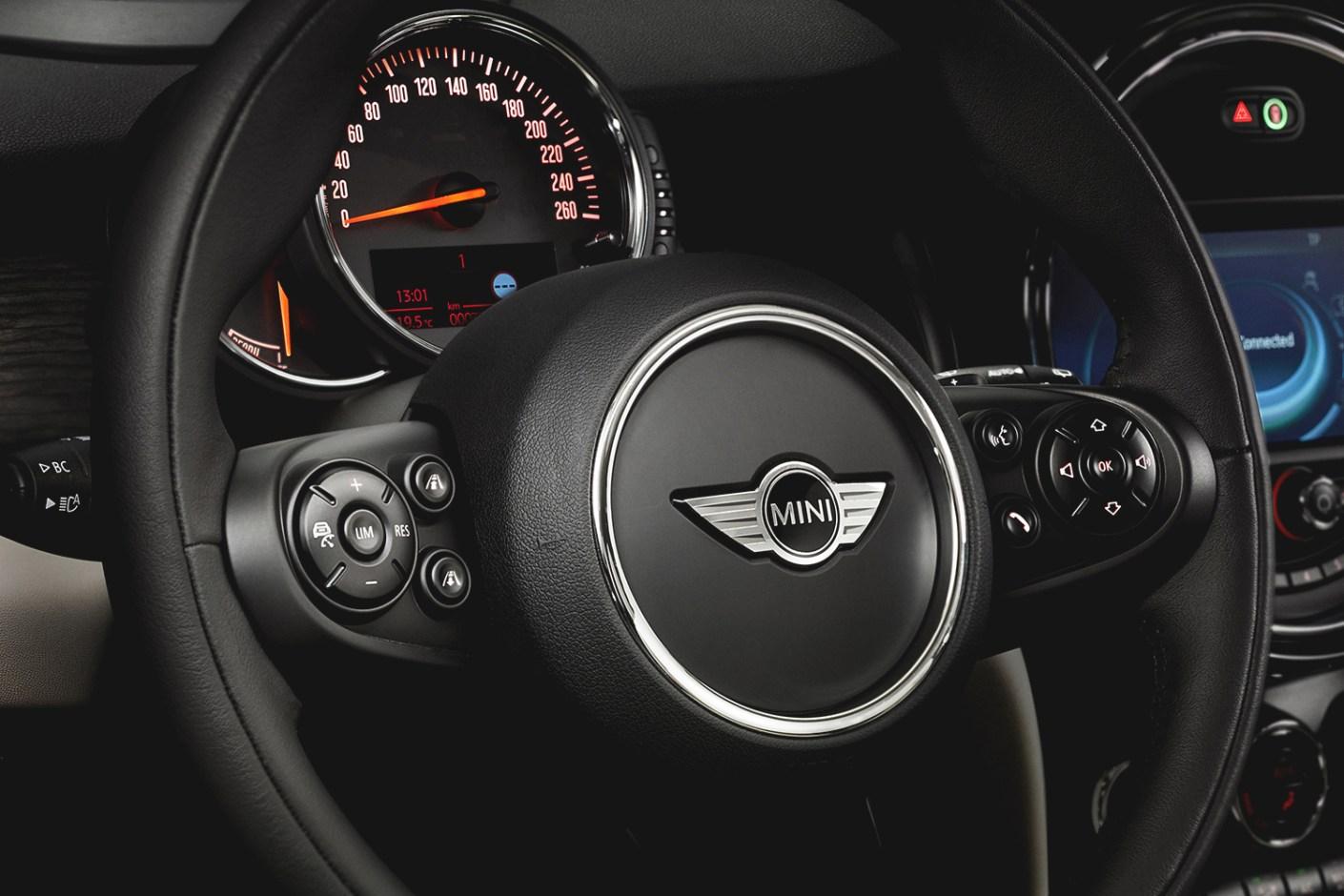 Image of A Closer Look: The 2014 MINI Cooper S Hardtop