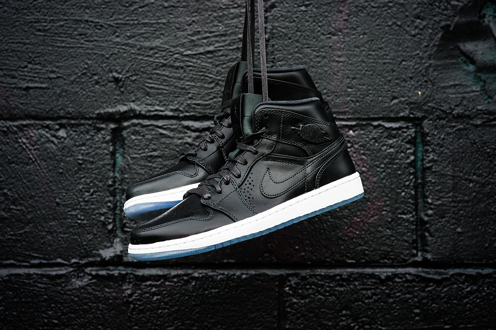 Image of Air Jordan 1 Mid Nouveau Anthracite/White