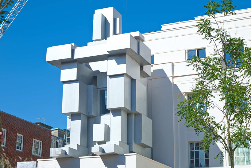 Image of Antony Gormley Designs A Liveable Cube Sculpture for the Beaumont Hotel