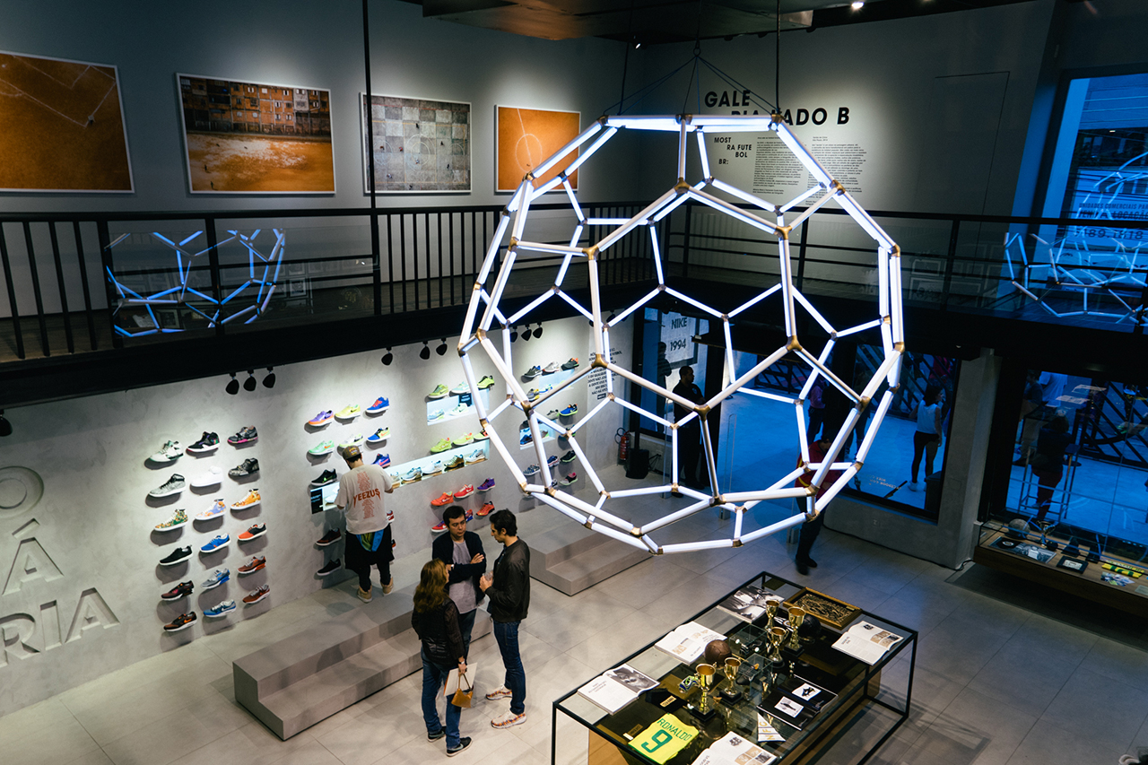 Image of Nike 1994: A Look Inside Nike's First Ever Brazilian Pop-Up Shop