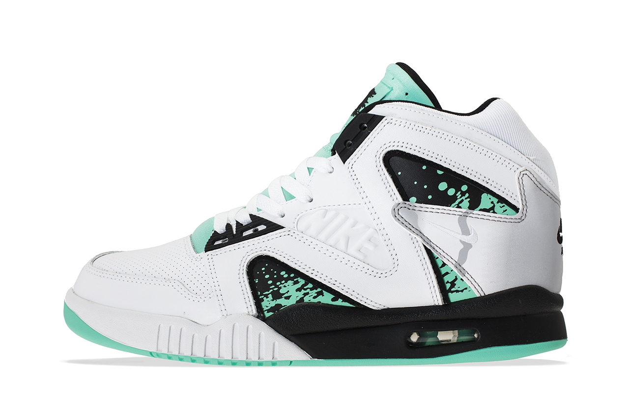 "Image of Nike Air Tech Challenge Hybrid QS ""Wimbledon"""