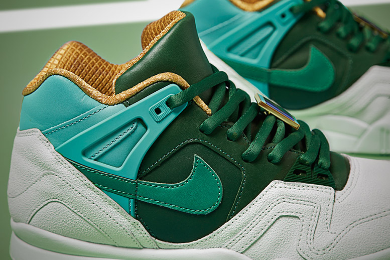 "Image of Nike Air Tech Challenge II SP ""Wimbledon"""