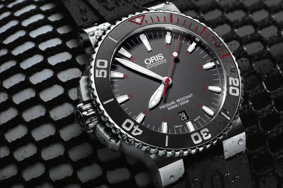 Image of Oris' Latest Aquis Red L.E. is Dedicated to the Red Sea Environmental Center