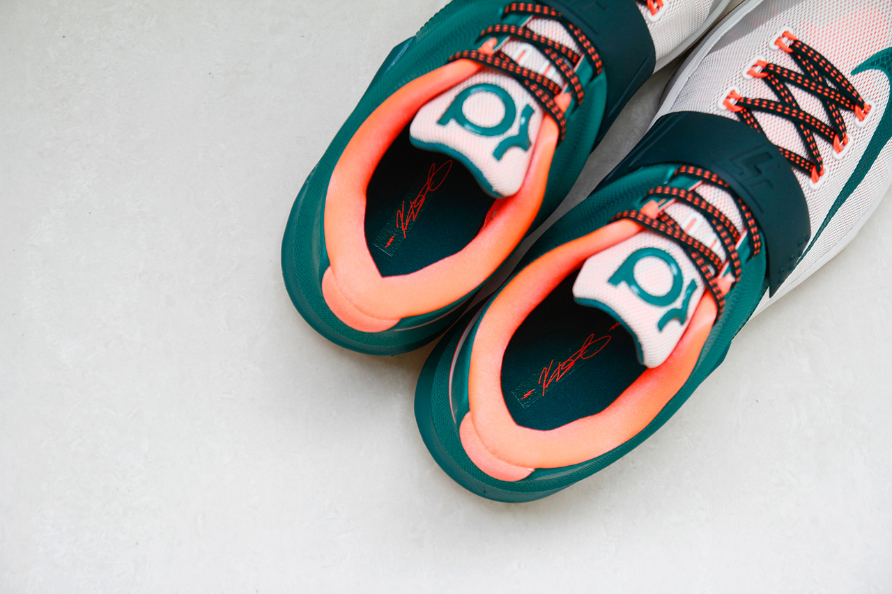 "Image of A Closer Look at the Nike KD7 ""Easy Money"""