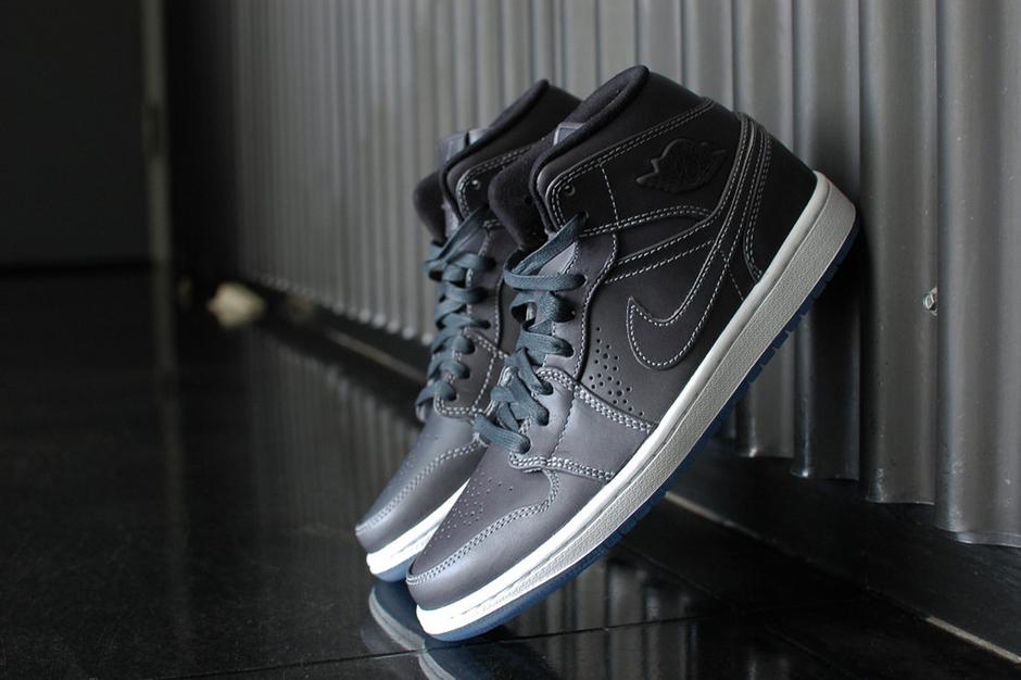 Image of Air Jordan 1 Mid Nouveau Wolf Grey/White