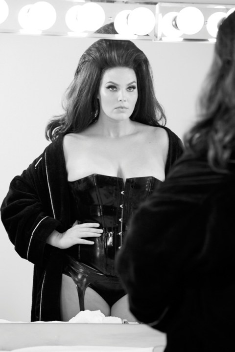 Image of Behind the Scenes of Pirelli's 2015 Calendar