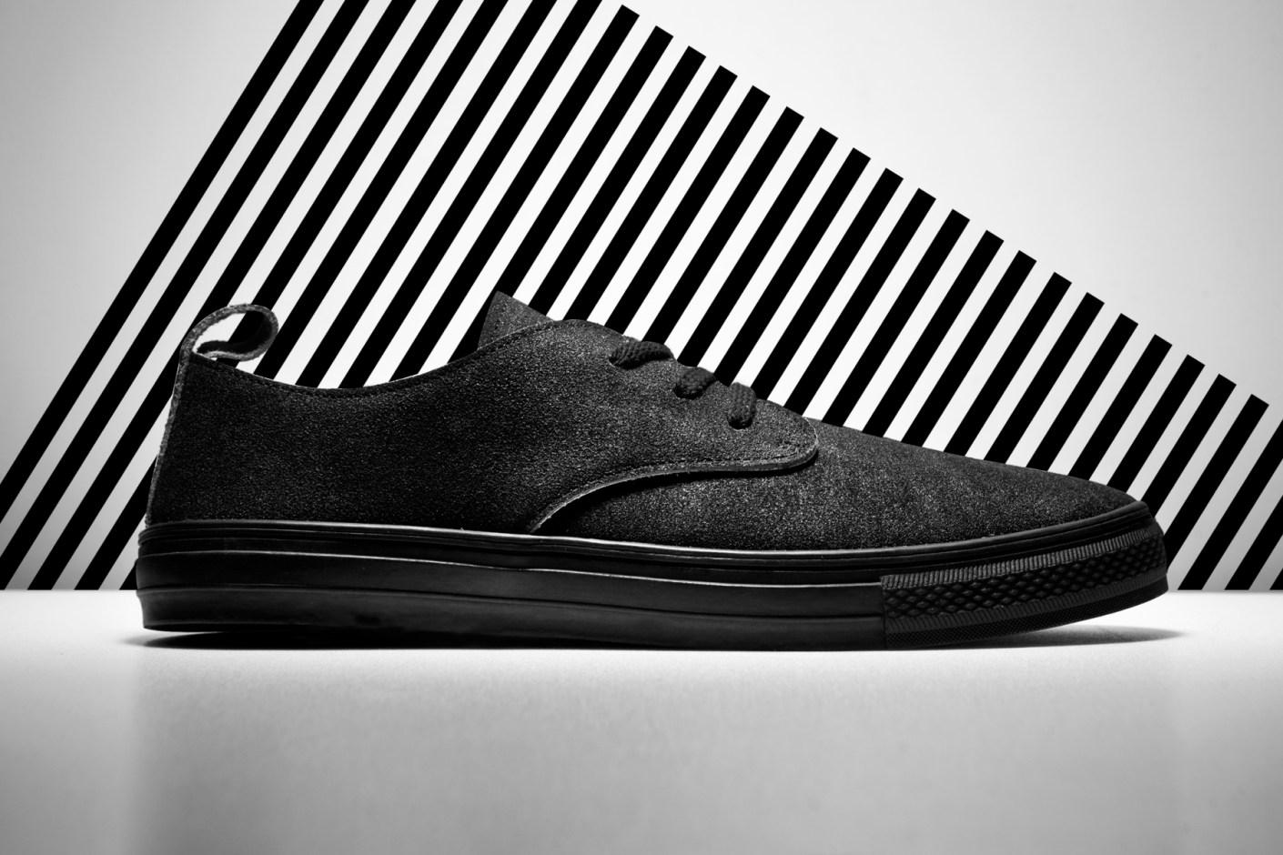 Image of Buddy 2014 Corgi Low Mud Sneakers