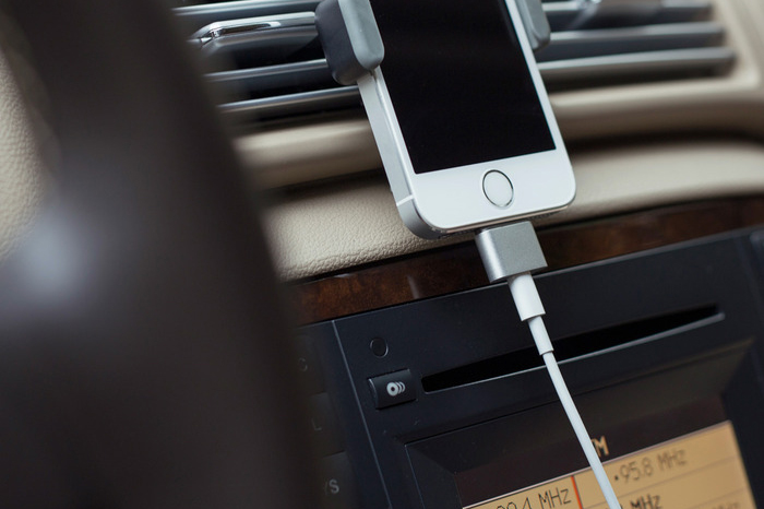 Image of Cabin Portable Battery and Magnetic Charger for iPhone