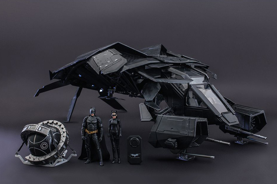 "Image of Hot Toys ""The Bat"" Collectible Set"
