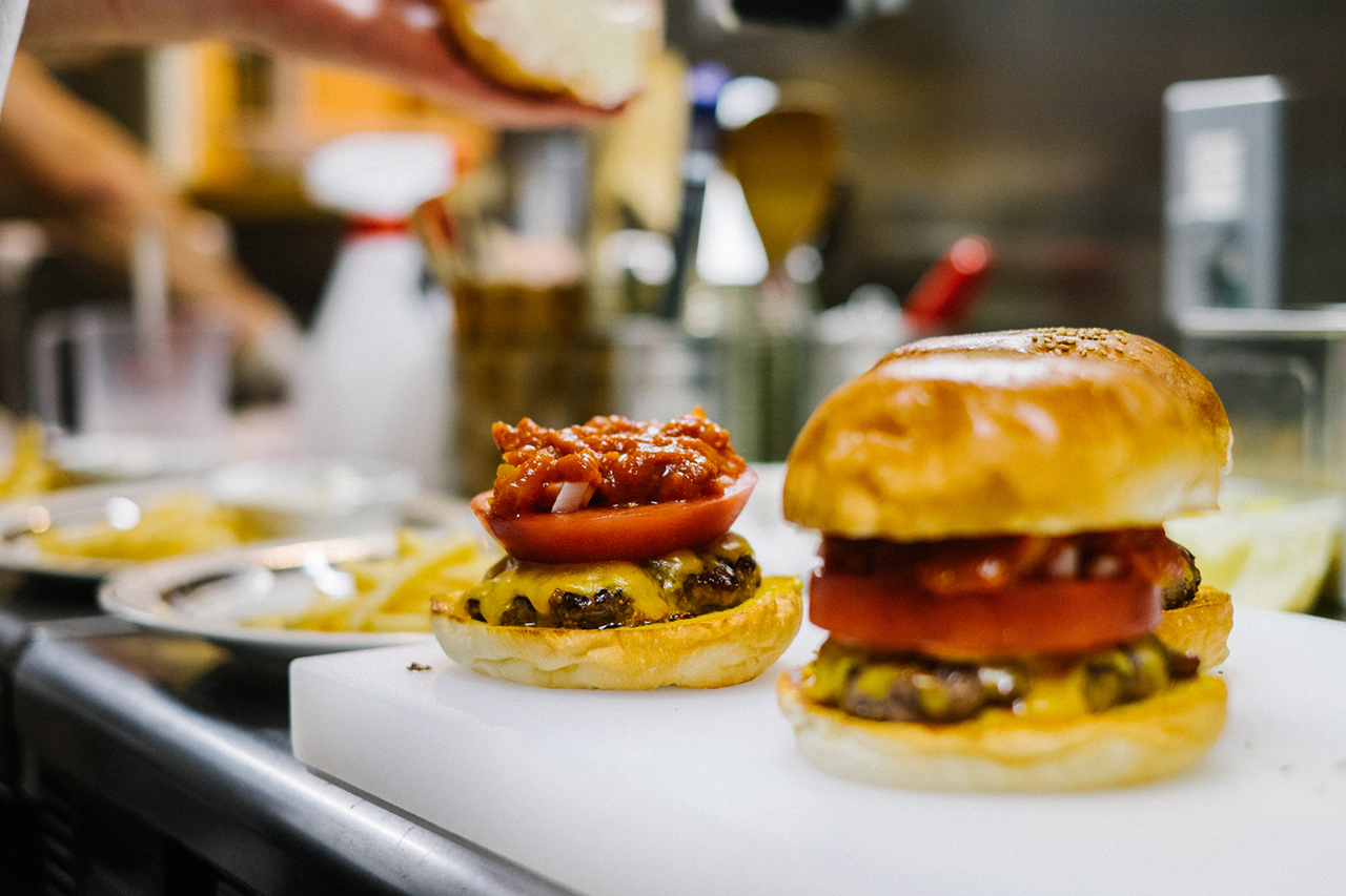 "Image of HYPEBEASTS Eats: The ""Pharrell Burger"" at NIGO's 2-5 Café"