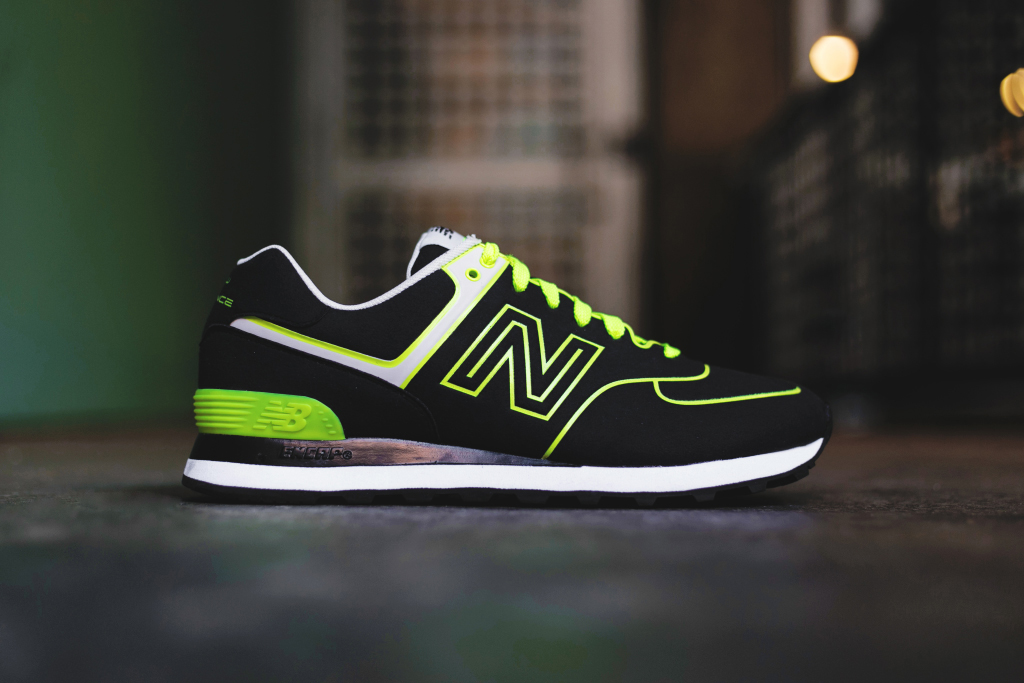 "Image of New Balance M574 ""Neon"""