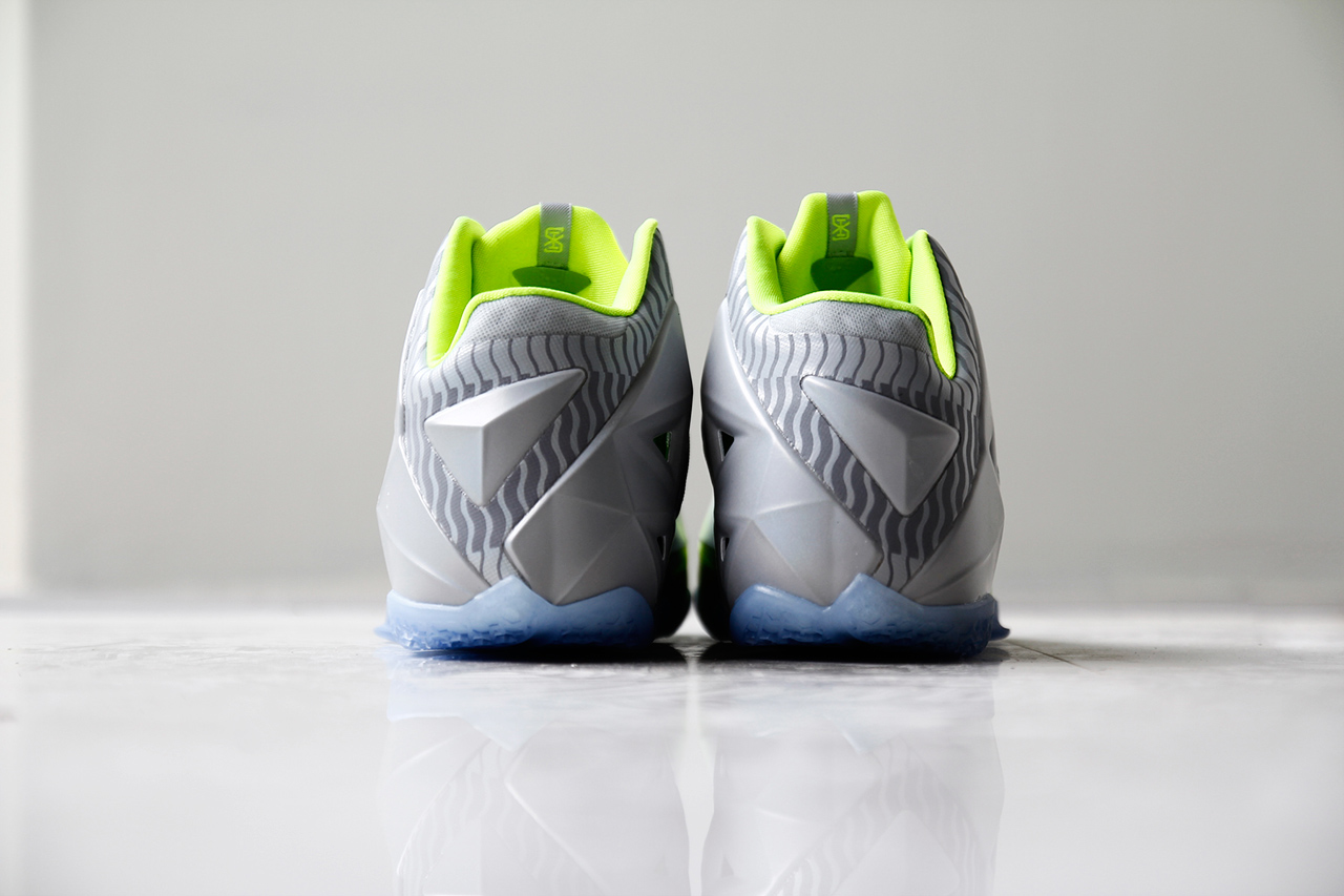 Image of A Closer Look at the Nike LeBron 11 Metallic Luster/Ice-Volt