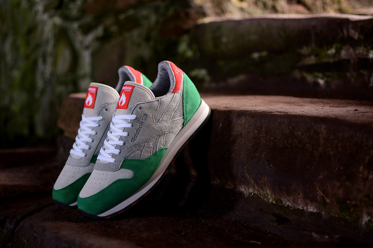 "Image of hanon x Reebok Classic Leather ""3 Castles"""