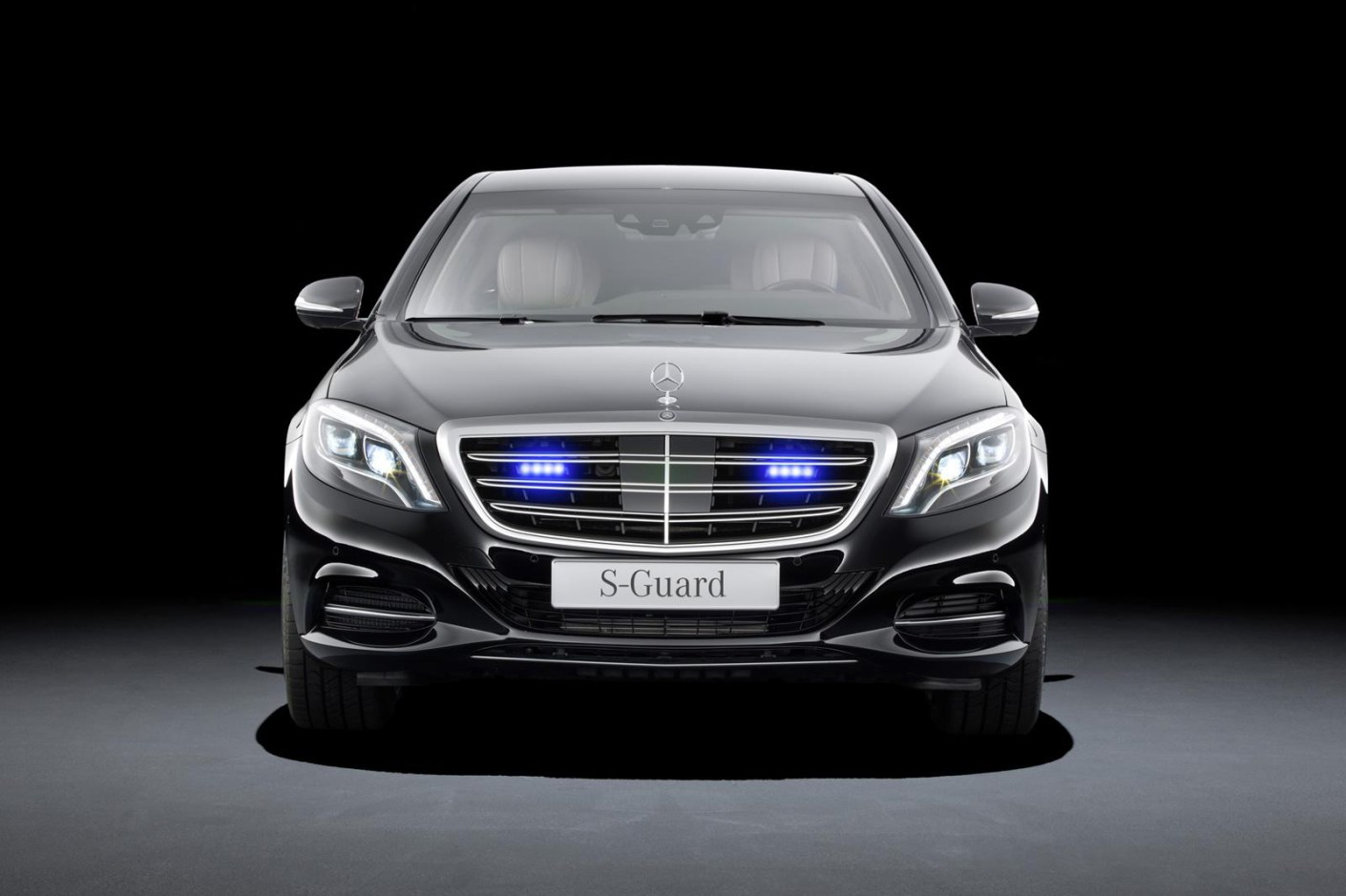 Image of Mercedes-Benz Reveals the Armored S600 Guard