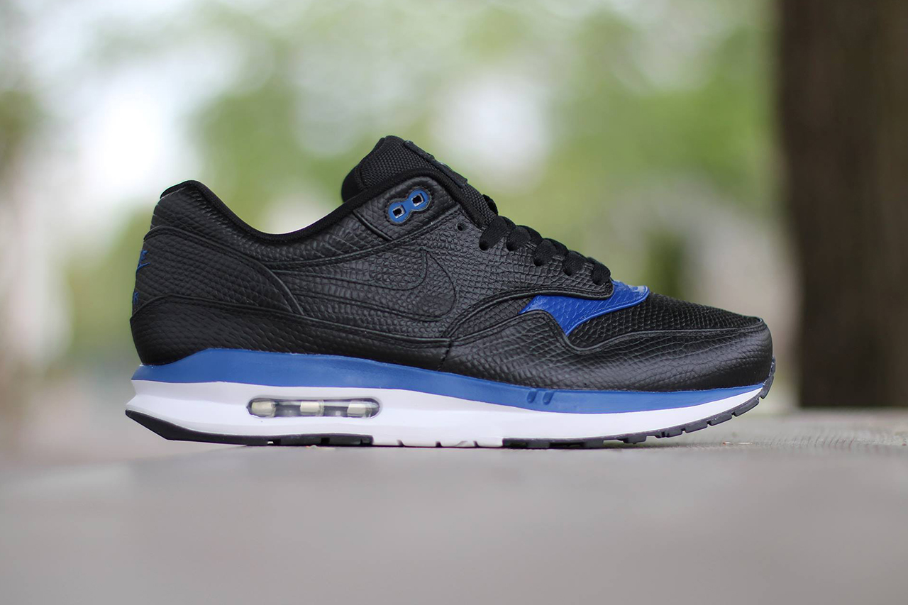 Image of Nike Air Max Lunar1 Deluxe Black/Gym Blue-White