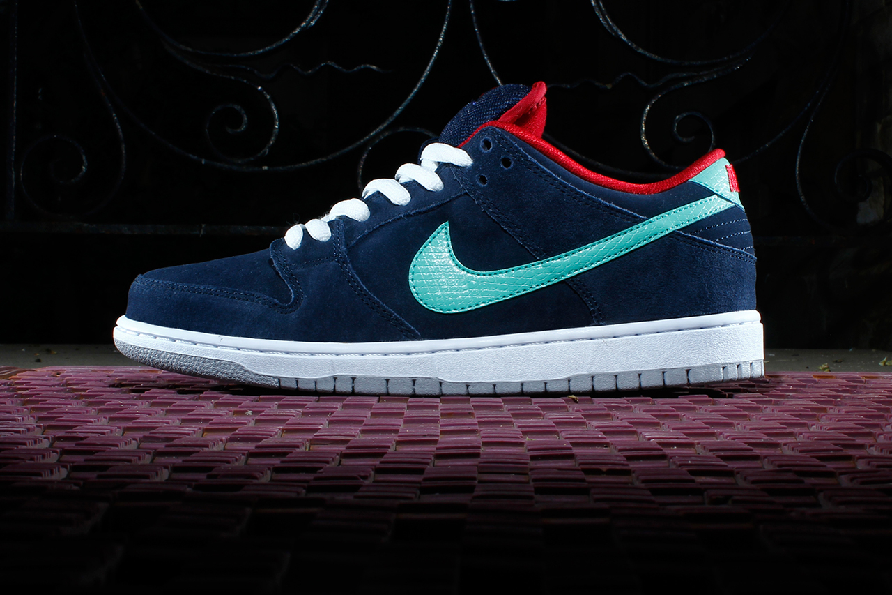 Image of Nike SB Dunk Low Pro Obsidian/Gym Red-White-Crystal Mint