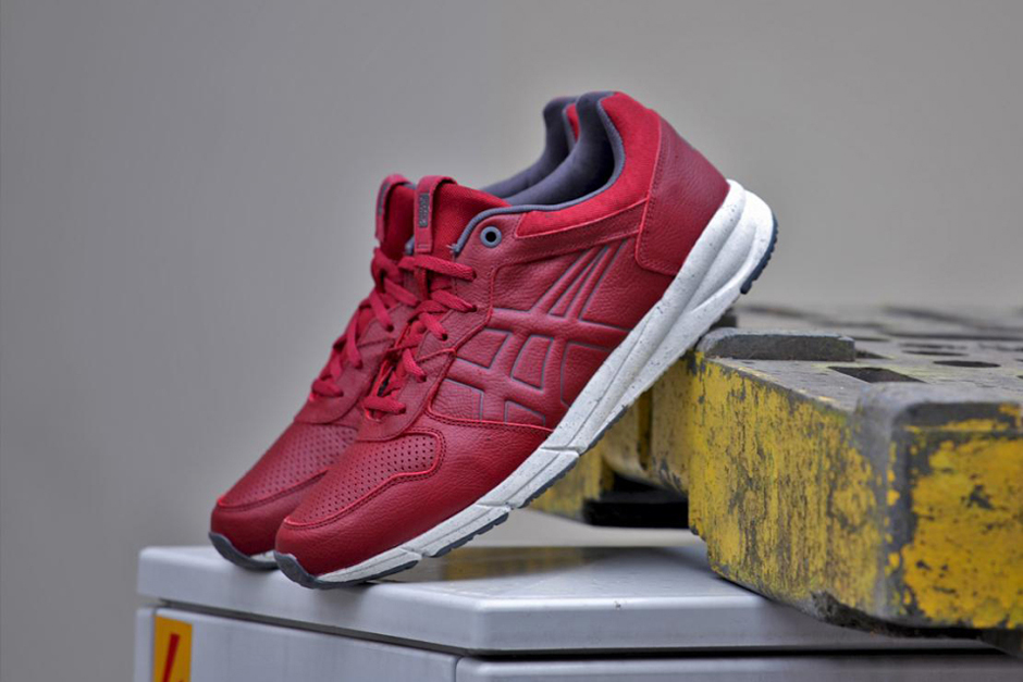 Image of Onitsuka Tiger Shaw Runner Lux Red/White