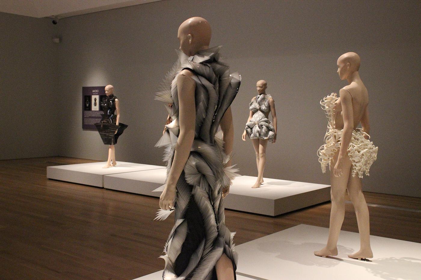 Iris Van Herpen Makes A Case For Fashion As Fine Art Auto Kk2 1hc Wiring Diagram
