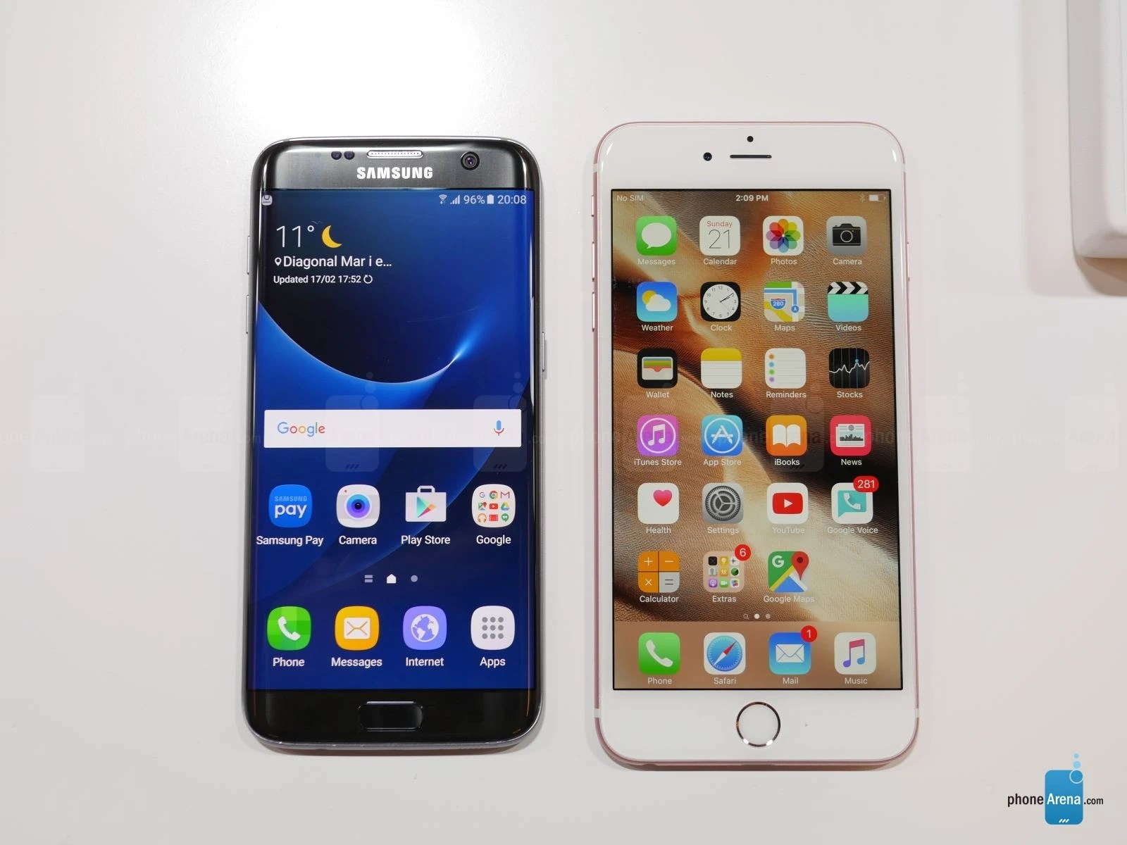 Iphone Misure Samsung Galaxy S7 Edge Vs Apple Iphone 6s Plus First Look