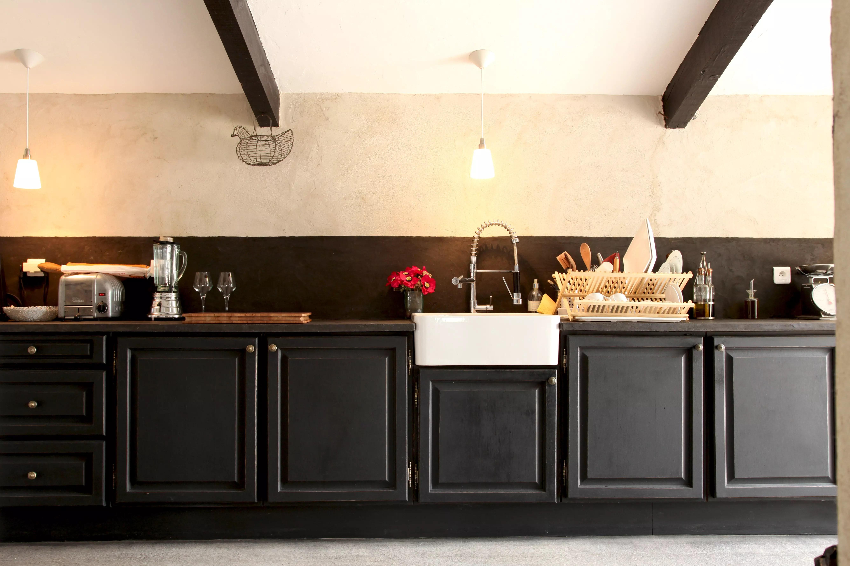 renover une cuisine rustique en moderne pour repeindre transformer une cheminee rustique en. Black Bedroom Furniture Sets. Home Design Ideas
