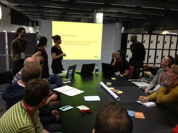 Mobile storytelling session (photo by Sandra Gaudenzi)