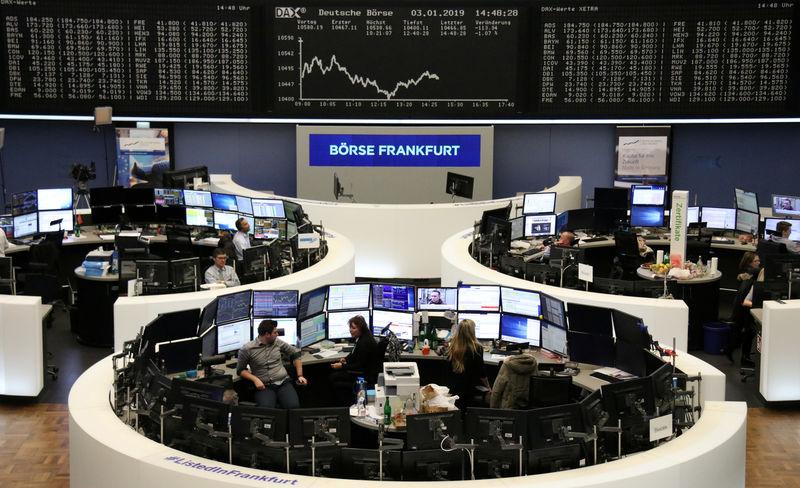 Apple bombshell sends investors to safe havens; \u0027flash crash\u0027 jolts
