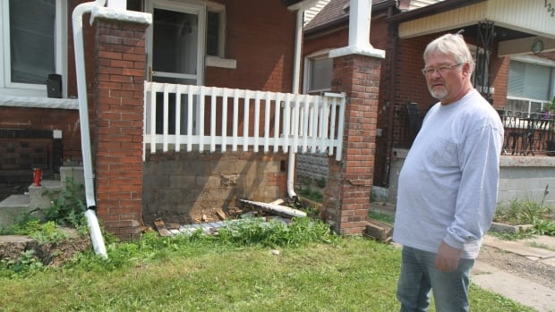 City39s Bylaw Blitz Team Catches Garbage And Broken Stairs