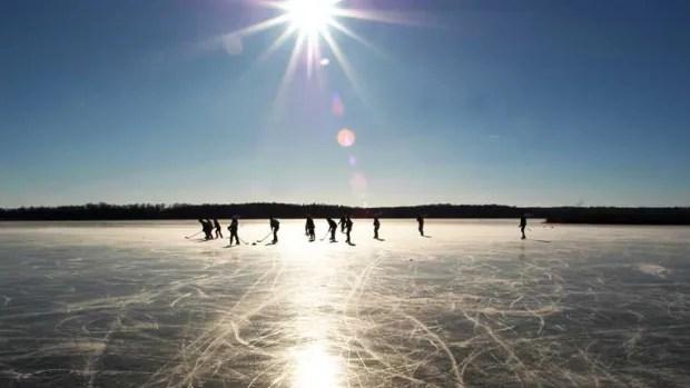 Alone Boy Girl Wallpaper Baddeck Rink Encourages Informal Pond Hockey Games Cbc News
