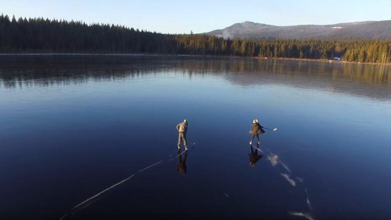 Hockey Girl Wallpaper Stunning Video Captures Hockey Game On Frozen B C Lake