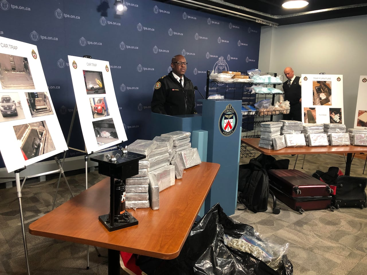 Furniture Toronto Com Toronto Police Seize 68 Kg Of Cocaine Smuggled In Custom Trap