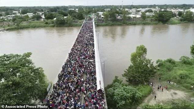 The Latest Crowd Thins On Guatemala Mexico Border Bridge