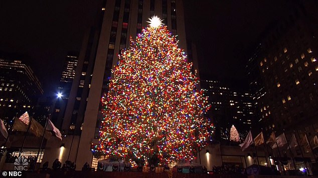 Nyc Mayor Booed At Tree Lighting Mayor Bill De Blasio Gets Booed During Tree-lighting Ceremony At Rockefeller Center | Daily Mail