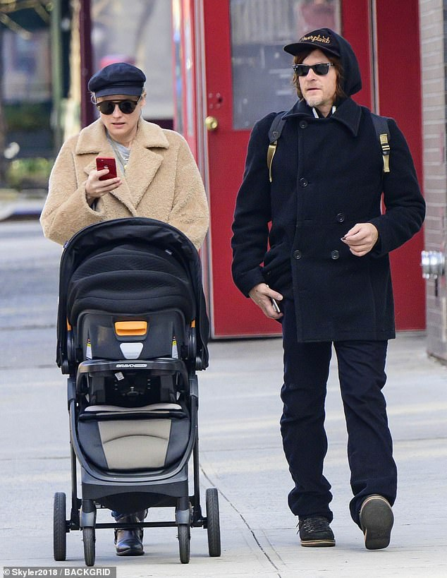 Newborn Baby Stroller Uk Diane Kruger And Norman Reedus Are Seen With Their Baby