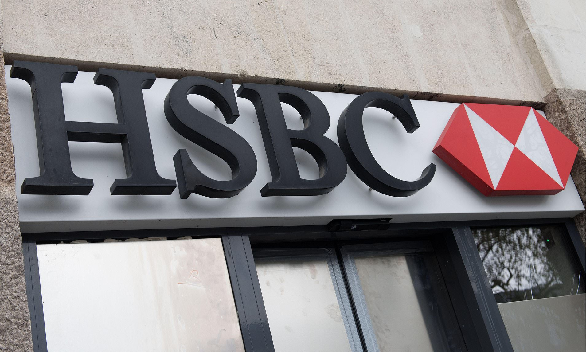 Diy Bank Holiday Offers Best Current Account Deals Hsbc Brings Back 175 Cash