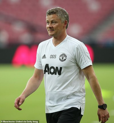 Paris Saint-Germain set to challenge Manchester United in race for Sporting Lisbon's Bruno ...