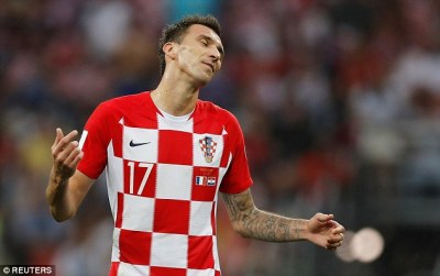 Mario Mandzukic first player to score an own goal at a World Cup final | Daily Mail Online
