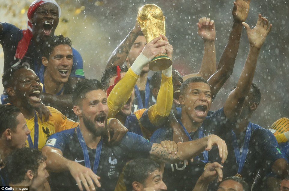 France Lift World Cup For A Second Time Picture Special
