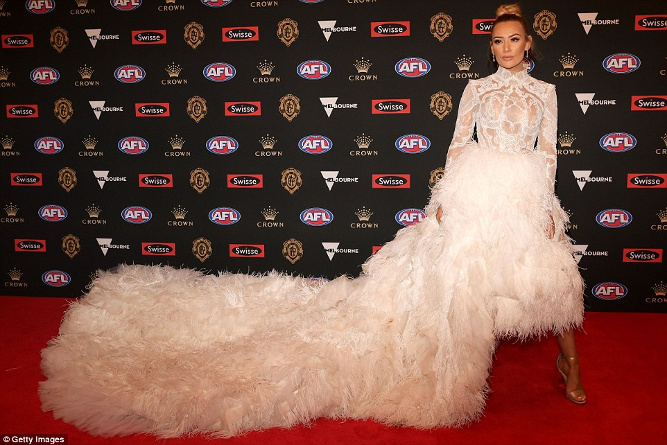 Brownlow Medal 2018 Wags Battle It Out On The Red Carpet