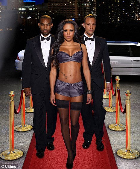 Girls In Yoga Pants Wallpaper Mel B Turns Vegas Showgirl As She Poses In Sexy Ultimo