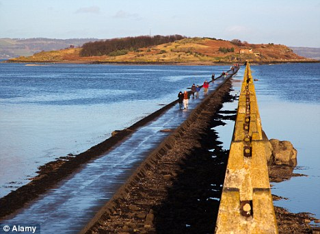Bebo party ravers in lifeboat rescue from Cramond Island after tide