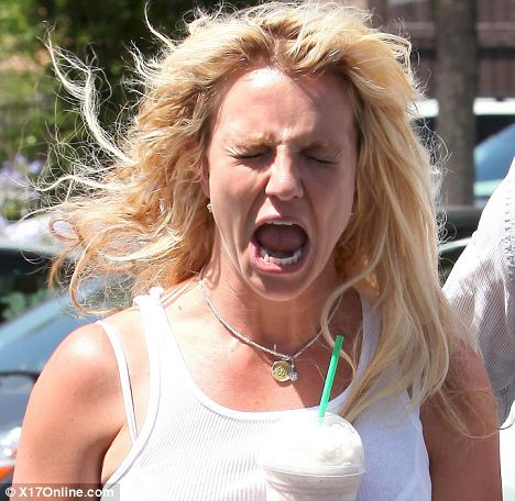 Old Time Car Wallpaper Britney Flaunts Her Dubious Style Sense Again In Knee High