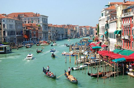 Venice tourism \u0027Cap visitor numbers or face environmental disaster