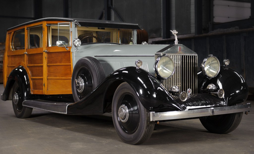 Royal Royce Car Hd Wallpaper Is This The World S First Estate Car Or Just A Rolls