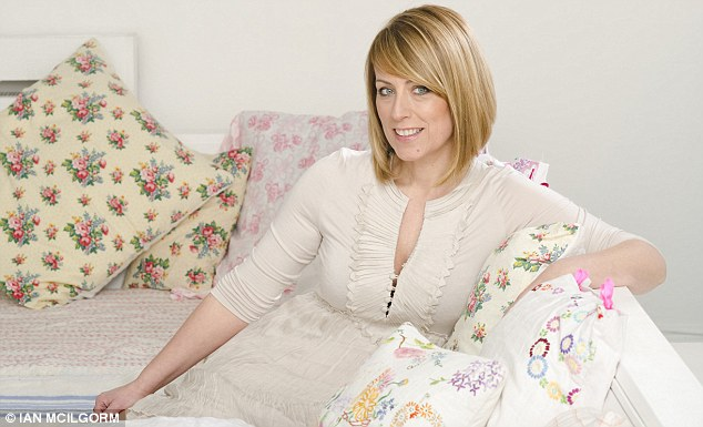 Violet Wallpaper Hd Cold Feet To Hot Dinners How Fay Ripley Reinvented