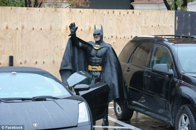 Police Officer Wallpaper Hd Holy Traffic Infraction Batman Man Dressed As The Dark