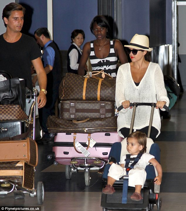 Baby Stroller That Turns Into Car Seat Kourtney Kardashian 39;s Nifty Five In One Buggy Is The