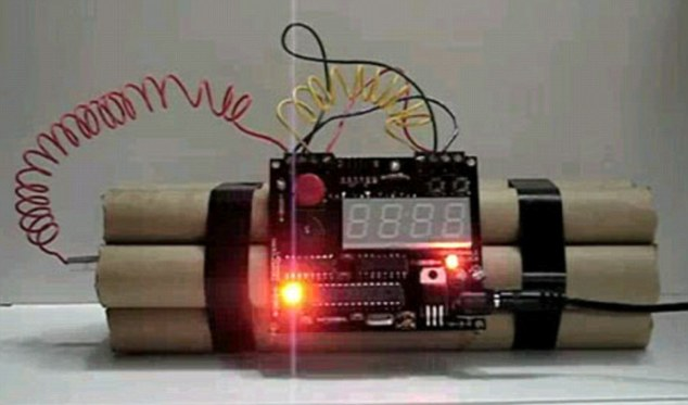 Alarm Clock That Looks Like A Bomb Is Sure To Get You Out - Online Alarm Clock Bomb